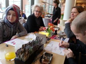 Heel hartelijk dank aan Xenia-ambassadeurs Martijn van Rees, Sander Tichler en Esra Yamaz voor hun enthousiaste inzet en inspirerende bijdragen tijdens onze brainstorm-bijeenkomsten.